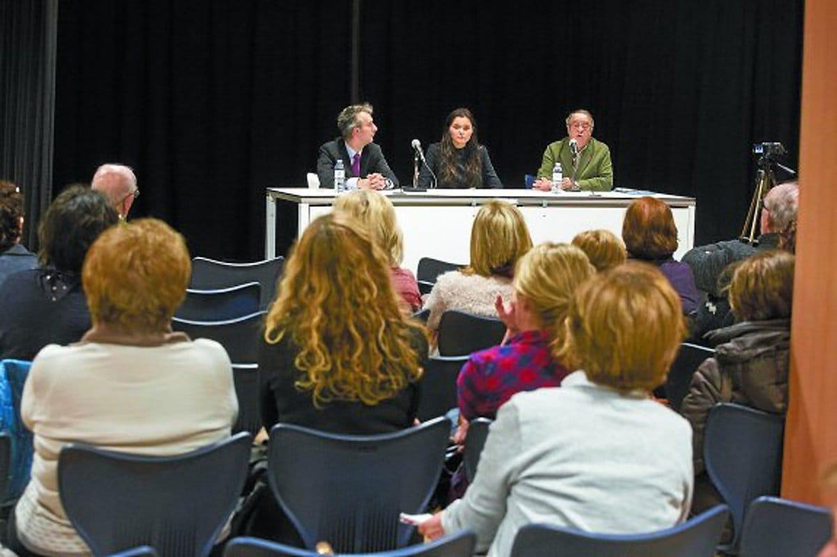 La asociación vasca de consumidores organiza una reunión informativa sobre las cláusulas suelo-Luis Michelena-31/01/2017-Donostia-San Sebastián